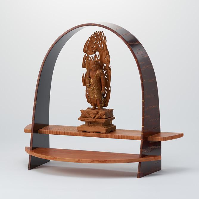 樺 仏像の設置台として
